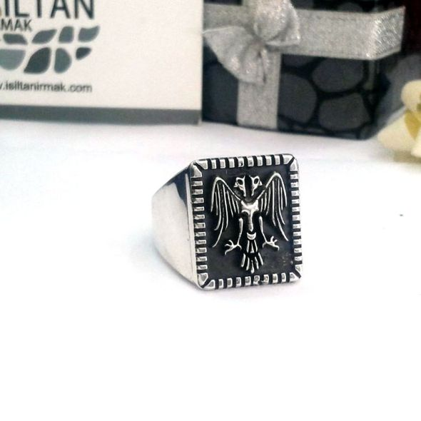 Çift başlı kartal yüzüğü