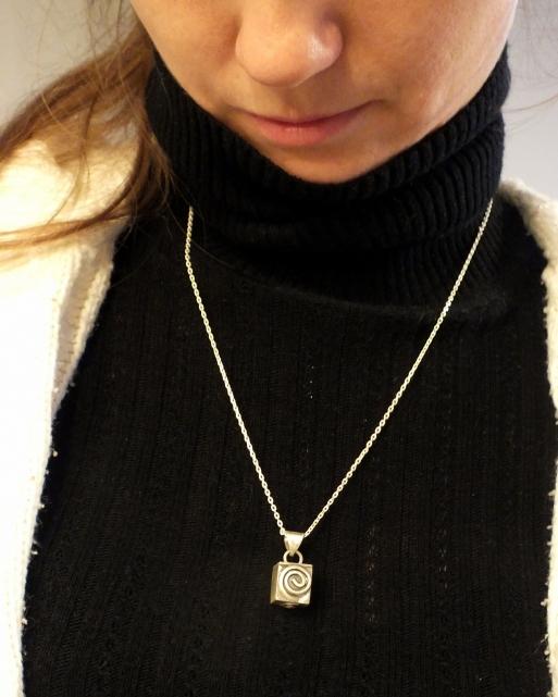 küp gümüş kolye - sipariş- ışıltan ırmak - takı- tasarım - ürün tasarımı - en iyi tasarımcılar (14)
